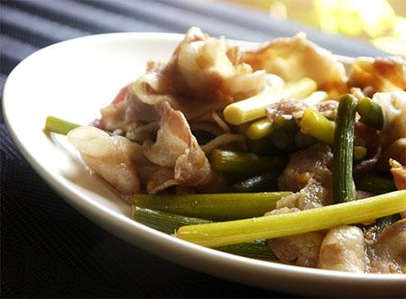 暑い日は炒め物〜豚肉とニンニクの芽